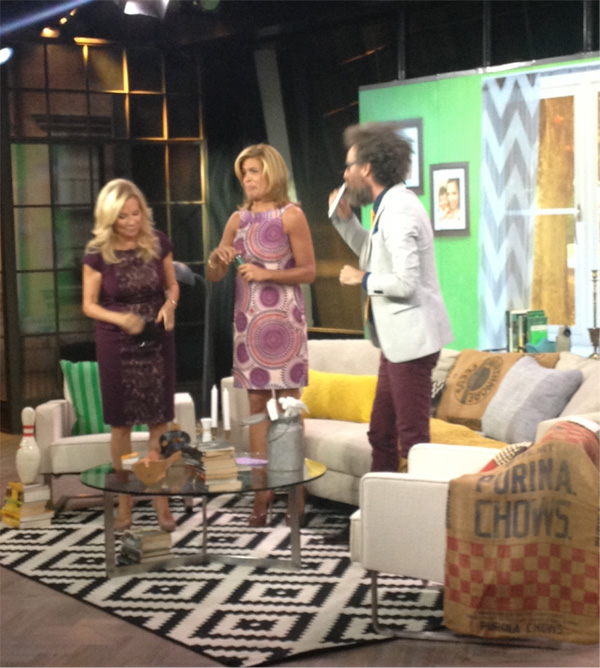 06-today-show-brooks-atwood-on-the-set-kathie-lee-hoda-drinking-flasks